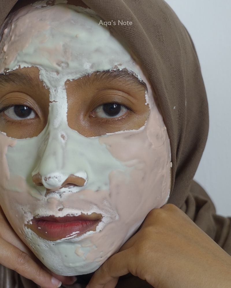 Reverie Touch Rubber Mask Green Tea & Rosy Glow On Face